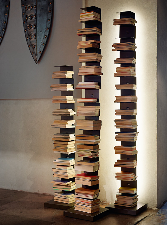 Free-standing bookcase PTOLOMEO LUCE with LED light