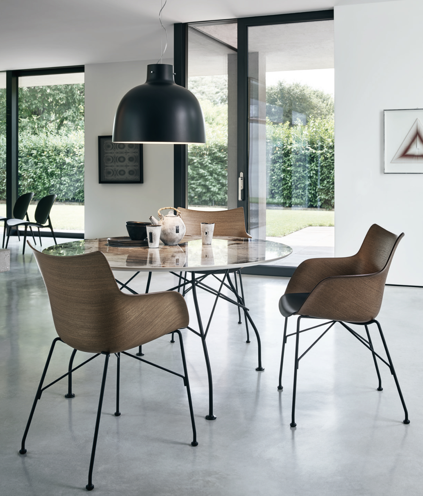 Kartell Armchair Q / WOOD